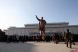 <Kim Jong-il dead> People Gather in front of Kim Il Sung Statue