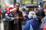 New Yorkers Enjoy Shopping Season