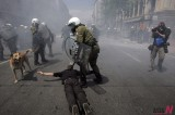 <2011 Top News> Greek Protesters Clash with Police