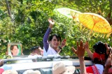 Aung San Suu Kyi campaigns for parliamentary by-elections