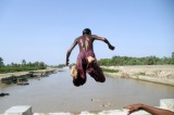 Jumping Into Water May Be Only Way To Endure 47'C