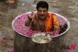 Hindu Priests Pray For Monsoon Rains In India