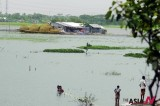 Bangladesh braces early monsoon disaster