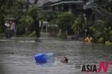 Heavy Rain Paralyzes Everything In Manila