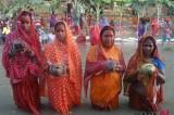 Nepalese Women Offer Prayer To Setting Sun In Celebration Of Chhath Festival