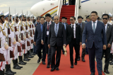 Malaysia's Mahathir makes first visit to Cambodia since 1994