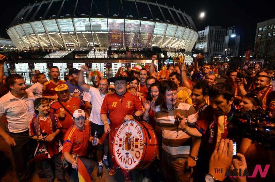 Spain retains Euro 2012 title