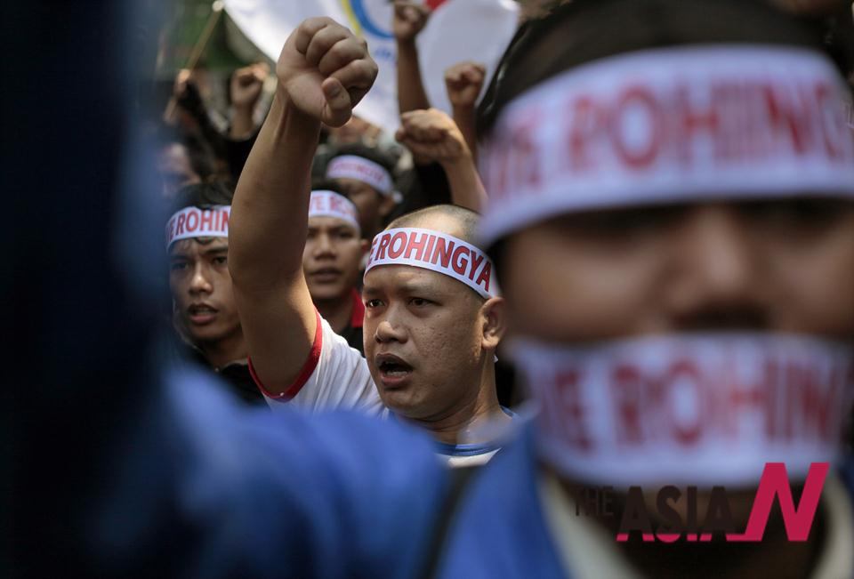 Indonesians Protest Muslim Persecution In Myanmar