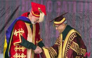 Afghan President Karzai receives honorary degree at Indian university