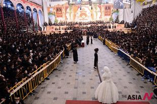 More than 10,000 Jews attend celebrated Rabbi's wedding