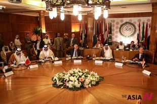 Arab FMs attend emergency meeting on Syria at AL headquaters in Cairo