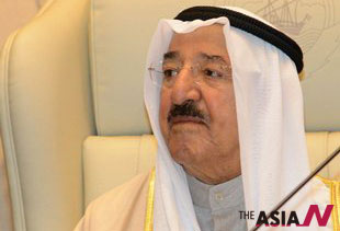 A Kuwaiti woman sentenced 11-year term due to insulting emir on twitter