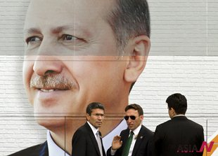 Turkish PM Erdogan to meet protesters to get out of impasse