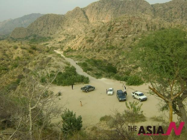 A view of Karonjhar Mountain (Photo : Nand Lal Lohano)