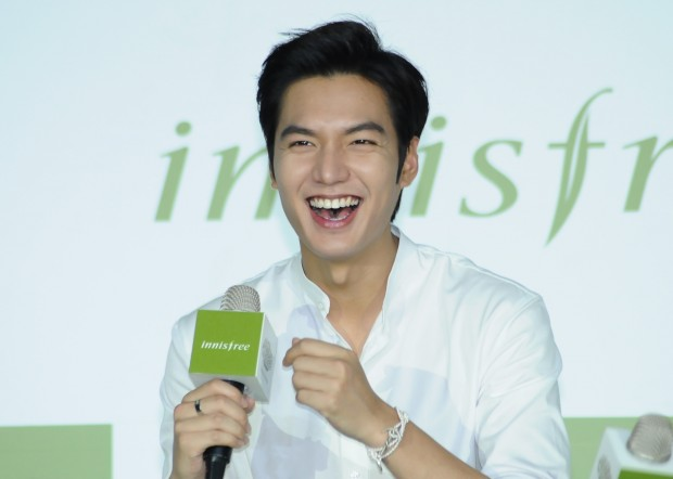 South Korean actor Lee Min-ho attends a press conference in Taipei, southeast China's Taiwan. (Xinhua)