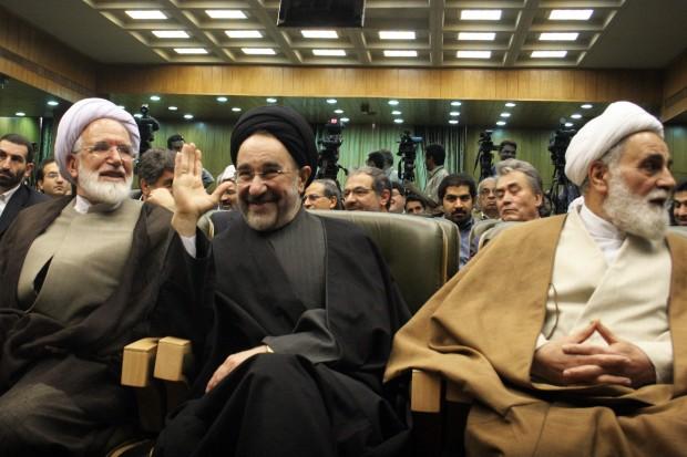Iranian Former President Mohammad Khatami (C) attends a ceremony marking the National Persian Gulf Day in Tehran, capital of Iran, April 29, 2009. (Xinhua/Ahmad Halabisaz)