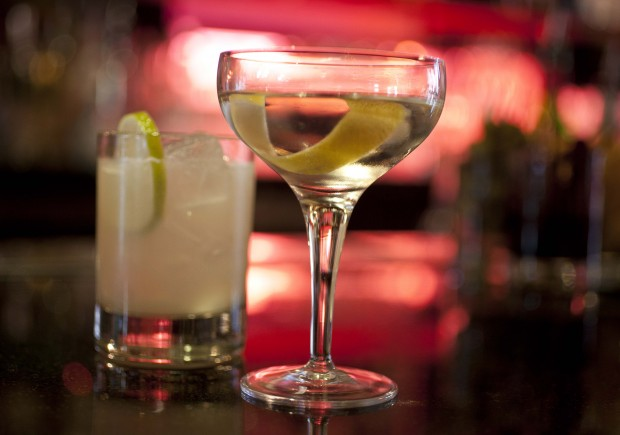 "mixed drinks sit on a hotel bar in San Francisco. Government researchers say ""deplorably"" few college students are warned by doctors about dangers from alcohol and drugs or encouraged to cut down or abstain, according to a study published Monday, Sept. 28, 2015, in JAMA Pediatrics. (AP Photo/Eric Risberg, File)"