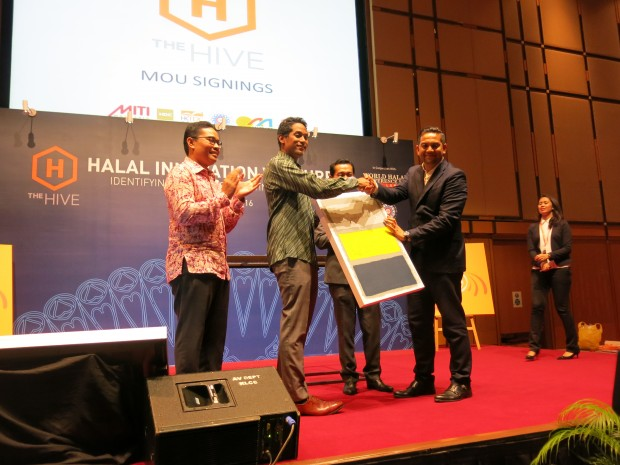 "Malaysia:  Youth lifestyles shape the ""Halal industry"""