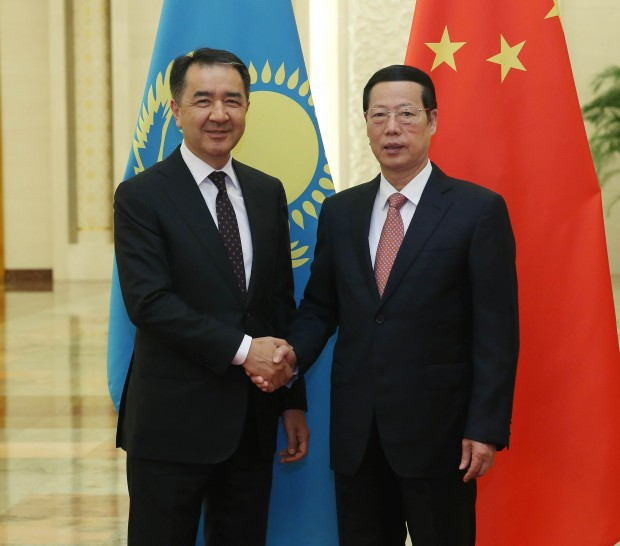 BEIJING, July 12, 2016 (Xinhua) -- Chinese Vice Premier Zhang Gaoli (R) holds talks with First Deputy Prime Minister of Kazakhstan Bakytzhan Sagintayev during a meeting of the China-Kazakhstan Cooperation Committee in Beijing, capital of China, July 12, 2016. Zhang and Sagintayev are co-chairs of the meeting of Committee. (Xinhua/Liu Weibing) (wjq) (cxy)
