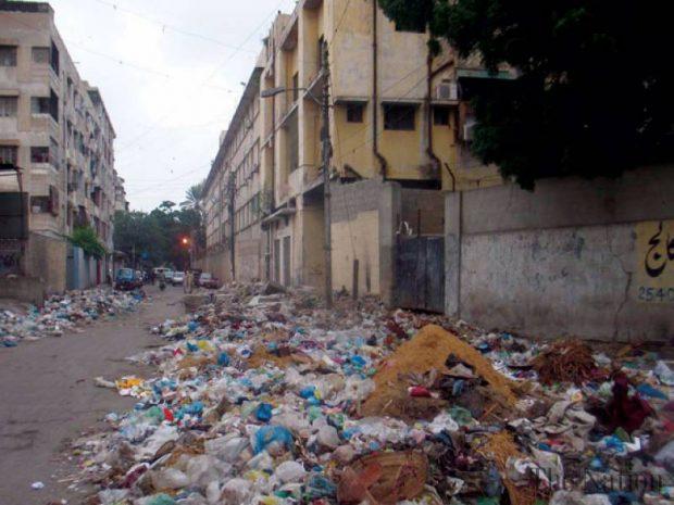 secretariat-area-gets-filthy-as-garbage-vans-run-out-of-fuel-1347827796-4603