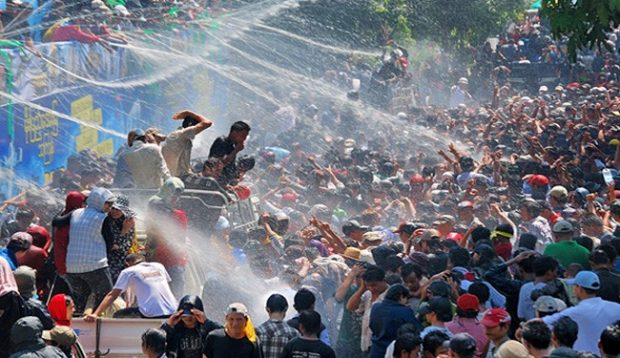 VIDEO: Water Festival Kicks Off in Myanmar