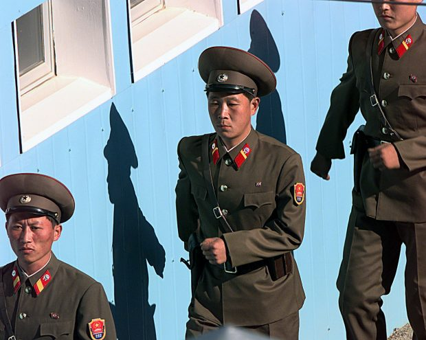 north_korean_soldiers_are_marching
