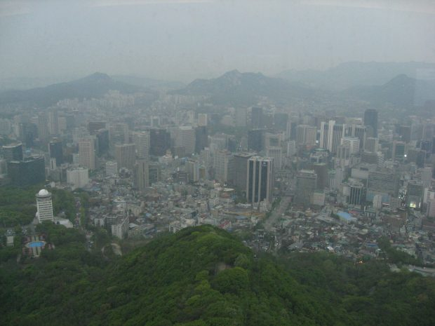 seoul_tower_smog_and_dusty_view