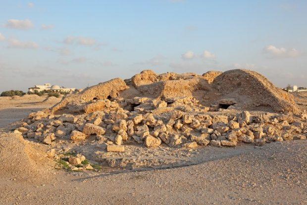 bahrain-mounds-1