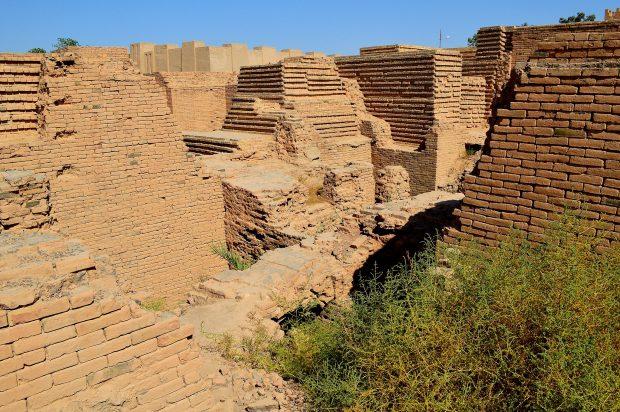 ruins_of_the_ancient_city_of_babylon_iraq_6th_century_bc