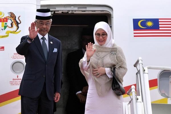 Malaysia's royal couple (Bernama)