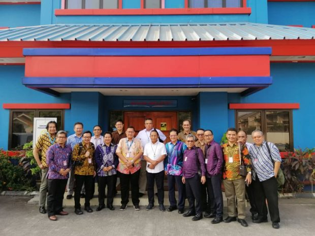 Group photo during a visit to Lion Air HQ in Jakarta - Bernama