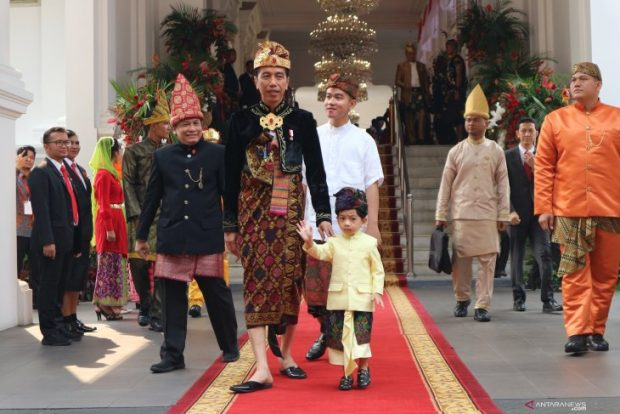 President Joko Widodo wears Balinese traditional clothing before the commemoration of the 74th Anniversary of the Republic of Indonesia (ANTARA)