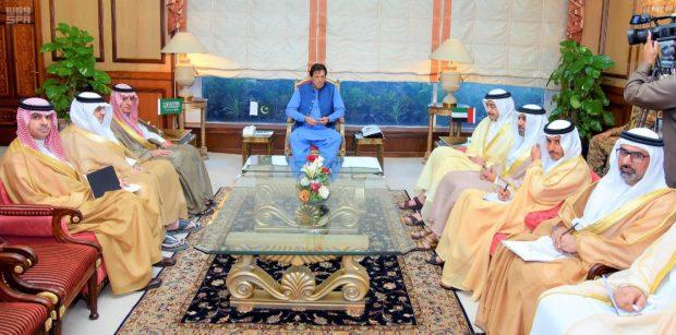 Pakistan prime minister receiving Saudi, UAE delegations (SPA)