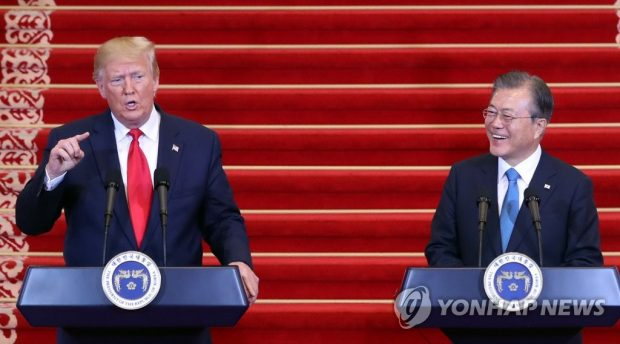 South Korean President Moon Jae-in (R) and U.S. President Donald Trump hold a joint press conference in Seoul on June 30, 2019 (Yonhap)