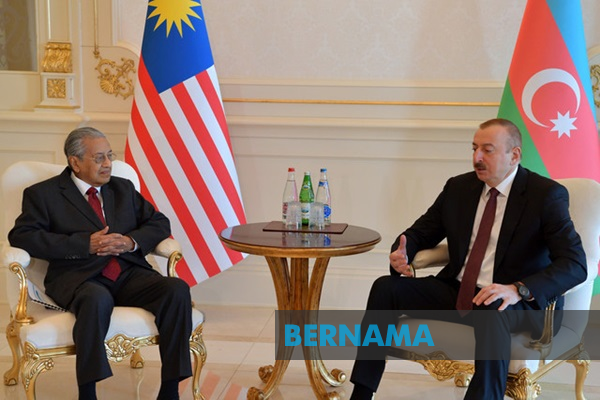 Dr Mahathir and President discuss ways to expand cooperation (Bernama)