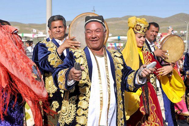 Figures from Uzbekistan (Kabar)