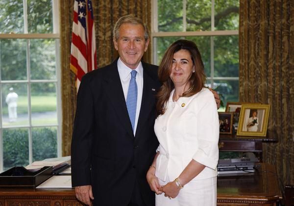 Hoda Nonoo with then US President Geoge W. Bush