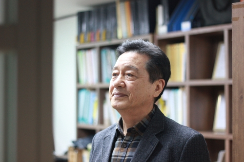 Song Nak-hwan, president of the Inter-Korean Separated Families Association, is interviewed by Yonhap News Agency at his office in Seoul on Jan. 15, 2020. (Yonhap)