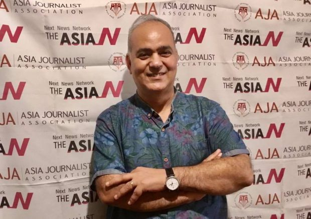 Ashraf with his famous AJA background (Ashraf)