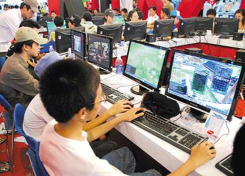 An online games shop (Photo by Tri Thuc Tre)