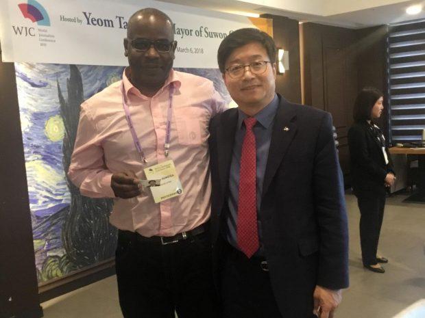 With the Mayor of Suwon City, Mr.: Yum Tae Young - Gyeonggi Province - South Korea