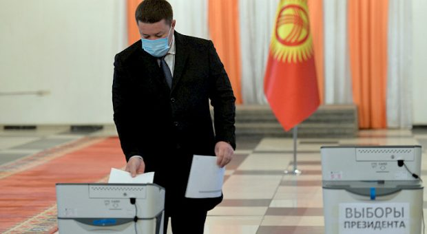 Acting President Mamytov casts his ballots in presidential elections, referendum (Kabar)