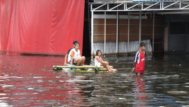 Flooding in Thailand in 2011. Copyright: EU/ECHO/Mathias Eick , (CC BY-SA 2.0).