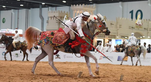 When the beauty of the horse and the skills of the hunter combine ... (ADIHEX)