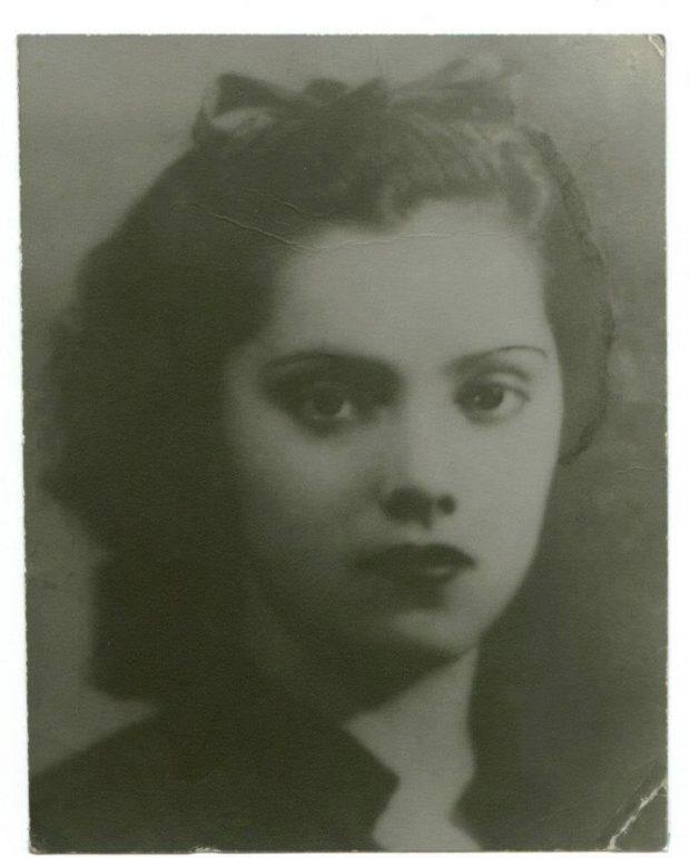 María Esperanza de los Dolores Espinosa Hernández de Azuela